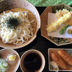 ユーグリーン中津川ゴルフ倶楽部 - 料理写真:天ざるうどん1300円です