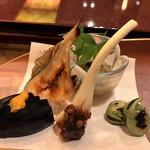 加賀屋 - 前菜 たこ山葵・天豆・エシャロットもろ味・水ナス・温泉カレイ