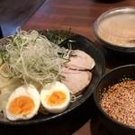 広島鉄板居酒屋 渋谷ばくだん屋 - 広島つけ麺 並 醤油ダレ。