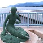 107528097 - マーメイドテラスの人形像