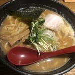 107538742 - 豚ちゃんラーメン 麺大盛