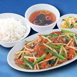 東秀 - レバニラ定食
