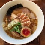 麺ゃ しき - 料理写真:醤油しき麺
