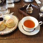 リトルティールーム - 紅茶とスコーンのセット