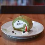 キッサ マシマロ - 料理写真:2019年5月再訪:抹茶と黒豆のロールケーキ☆