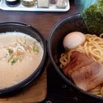 麺屋 赤橙 - 特製つけ麺(970円)