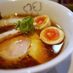 らーめん 鶏喰 - 特製は味玉とチャーシュー追加