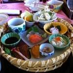 ロッテ皆吉台カントリー倶楽部 レストラン - ある日のおすすめ「花籠御膳」