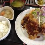 ホルモン焼 げんこつ - チキンカツ定食(600円)