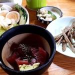 107561707 - マグロブツ250円 生野菜150円 きんぴら70円 m