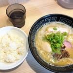107565111 - 味玉白湯らぁ麺、ご飯