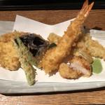 107567533 - 天ぷらせいろの天ぷら盛合せ。