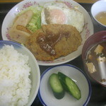 京都だるまや食堂 - サービス定食530円