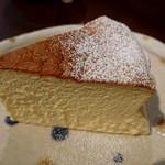 蜂の巣 - 料理写真:スフレチーズケーキ