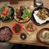 サンサンゴゴ - 料理写真:サンサンゴゴ定食¥1,944
