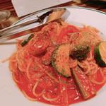 牡蠣ひよっこ商店 - 牡蠣のトマトパスタ