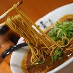 107611229 - 麺リフト
