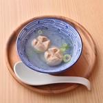 DAISANGEN 大三元 台湾飲茶 - 新竹貢丸湯 450円 ポークミートボール入りさっぱりしたスープ