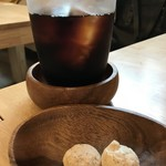パティスリー&カフェ ピケ - プラス料金でアイスコーヒーをいただきました、焼き菓子付きです(2019.5.13)