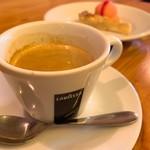 トラットリア クアトロ ラガッツィ - コーヒー