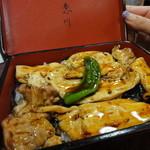 寿恵川 - キジ焼重 1050円 妹は鰻が苦手なのでキジ焼重で。