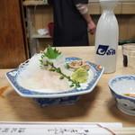 大衆割烹 三州屋 - カワハギ刺身 & 冷や酒