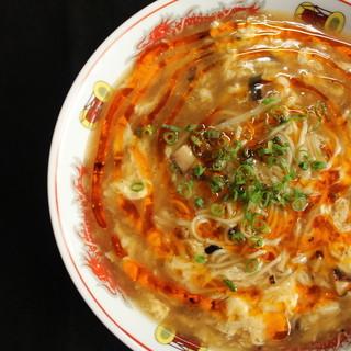 酸っぱい・辛い・美味しい!インスタ映えも必須♪『酸辣湯麺』