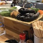 淡路屋 - カウンター上の野菜