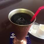 エスト - ドリンク写真:アイスコーヒー よく冷えているし なんだか可愛いのだ