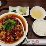 四季香 - 水煮肉片定食。