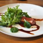 ドンブラボー - 北海道産チェリーバレー種鴨のロースト レバーパテ添え バルサミコと味醂・醤油のソース