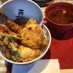 107652289 - 金目鯛と春野菜天丼