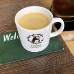 イツキ コーヒーロースタリー - ホットサンドランチセット:ラタトゥイユサンド、ミニサラダ、ロングブラック