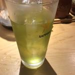 つけ麺屋 やすべえ - 緑茶杯  ちょっと飲んだ