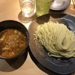 つけ麺屋 やすべえ - 辛味つけ麺中盛   780円