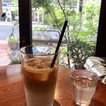 Kanda Coffee - 小岩井カフェオレ アイス