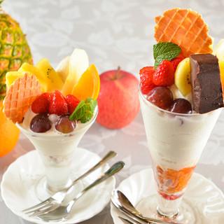 フレッシュフルーツのミニパフェも◇人気「ランチセット」に注目
