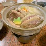 鯛屋旅館 - 鴨肉と出汁のしゅんだ野菜ぐつぐつ