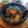 すもも - 料理写真:「ピリカラ高菜石焼きビビンバ (900円)」