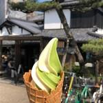 通圓 - 料理写真:お店外観とミックス