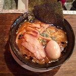 麺匠 真の蔵 - とりこらラーメン・黒(醤油)+味玉