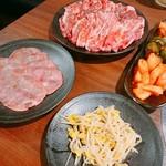 テーブルオーダーバイキング 焼肉 王道 -