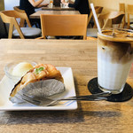 喫茶 ほんまち - りんごのチーズケーキ/カフェラテ✩