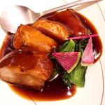 西安曹家 餃子坊 - 茶美豚のとろとろ角煮