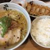 塩元帥 - 料理写真:天然塩らーめん 柚子多目 ( ´θ`) 餃子 ご飯 セット