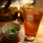 bodai - お通しと烏龍茶