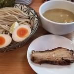 Ramen611 - 特製鶏白湯煮干しつけ麺