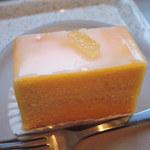 ヤードコーヒー&クラフトチョコレート - ちびつぬは、レモンケーキ。 和歌山県産レモンと北海道のフレッシュバターが 使われているそう。ケーキ部分は美味しかったけど、 ちょっとアイシングが甘めかなぁ。
