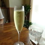 107742188 - スパークリングワイン