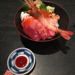 107752342 - 特上海鮮丼